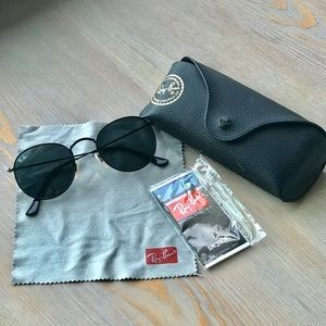 Ray-Ban Round Black Sunglasses
